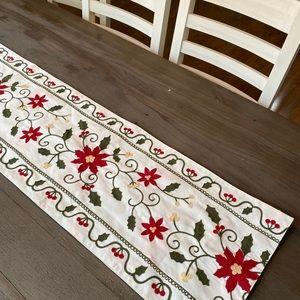 Pointsetta Christmas embroidered table runner